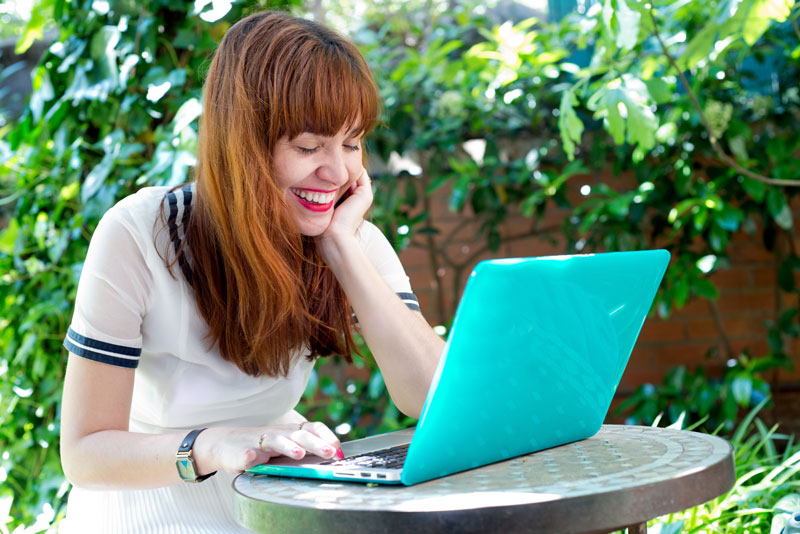 can humour an effective health communication strategy girl on laptop